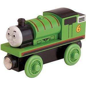 商品特性商品材质:木制 商品描述商品描述培西是火车家族中的年轻成员,总是快乐地喷着烟在路轨上前进,乐于承担责任,值得其他火车学习。 品牌简介中文译名:托马斯和朋友 英文名:THOMAS& FRIENDS 中央电视台译名: 《托马斯&朋友》 风靡全球的英国著名动画剧集《托马斯和朋友》已经在2009年春节登陆中国电视荧屏。