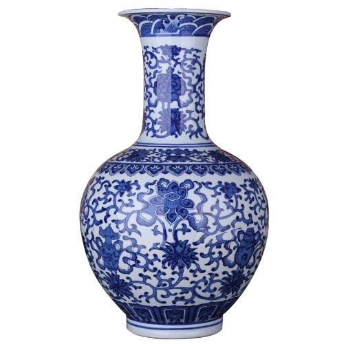 青花瓷花瓶摆件 缠枝莲万寿藤
