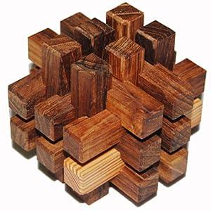 由6-50根木条组合而成,又称:鲁班锁,孔明锁,别闷棍,六指连心,莫赖和