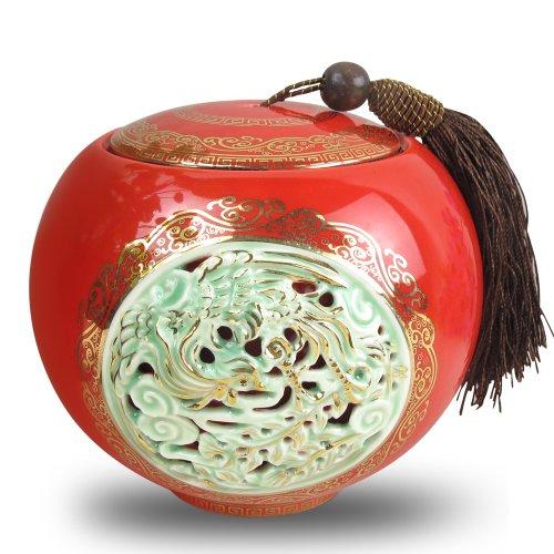 中国风镂空雕刻茶叶罐