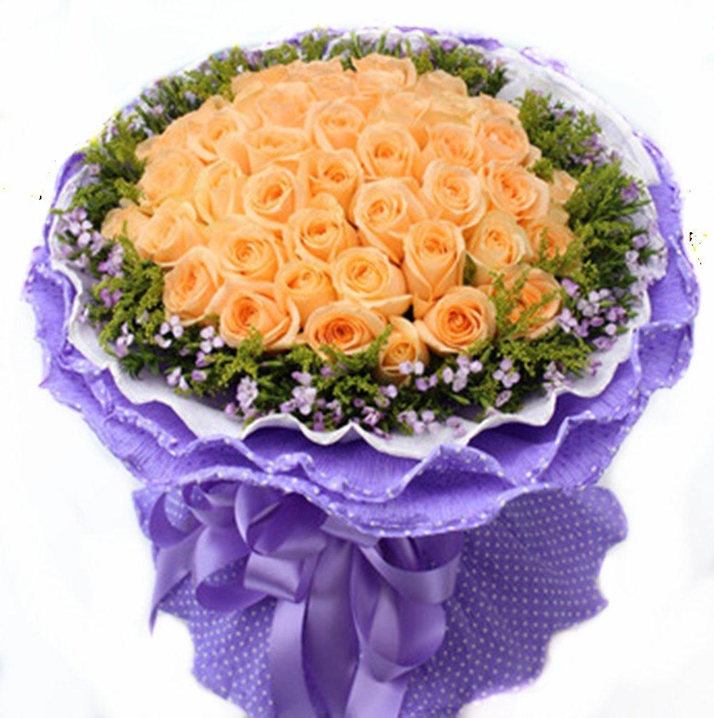 【名称】:33朵香槟玫瑰,满天星,黄樱草,适量花材。【包装】:淡紫色卷边纸,紫色丝带花结。【名称】:因有你 【用途】:爱情、友情、亲情、节日、纪念日等 【配送范围】:本产品全国各地均可送达 , 若您仍有疑问请咨询QQ: 3213258934 微信号:15810752980 【购物流程】:点击商品右侧加入购物车--填写订单--提交订单--出现订单号--支付花款